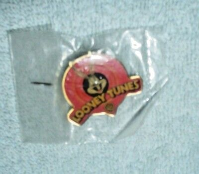 WB Warner Bros TM 1997 Bugs Bunny Classic Collection Looney Tunes Brooch Pin