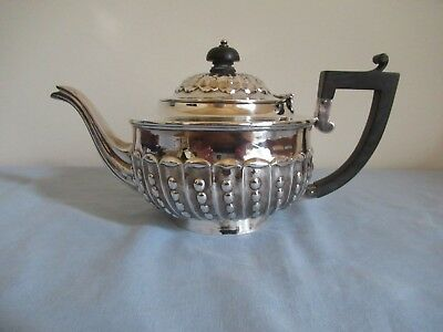 A Sterling Silver Teapot, Chester 1962