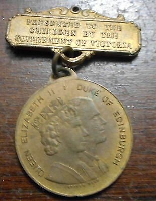 Australia 1954 QEII  Royal Visit  - Victoria  Medallion with Bar