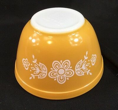 Pyrex vintage Butterfly Gold floral 401 mixing nesting BOWL 1.5 pint yellow
