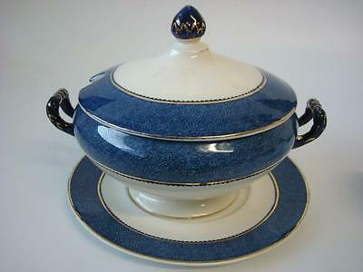 Woods Ware Powder Blue Small Soup / Sauce Gravy Tureen With Stand