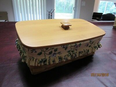 Longaberger Classic Stain Vanity Set with Lid and Yellow Vine Liner