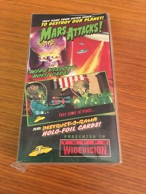 Mars Attacks Widevision 1996 Topps Base Set of 72 Trading Cards!! See pics!!