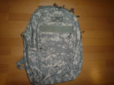 New CAMELBAK RUCKSACK ACU BACKPACK MAXIMUM GEAR, US ARMY UNIFORM USA PAINTBALL