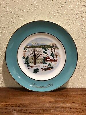 """Vintage 1973 First Edition """"Christmas on the Farm"""" Avon Plate Retro Collectible"""