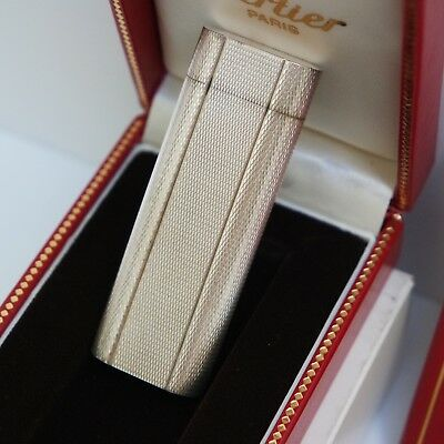 Nuovo - Accendino Les Must De Cartier 72030 Plaque Argento Briquet Lighter New