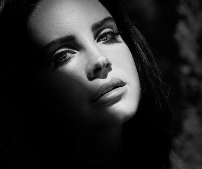 Lana Del Rey UNSIGNED photograph - M3581 - Beautiful American singer - NEW IMAGE