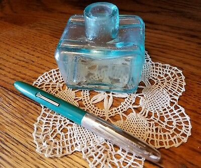 Vtg Wearever Fountain Pen & Aqua Glass Ink Well with Pen Rests
