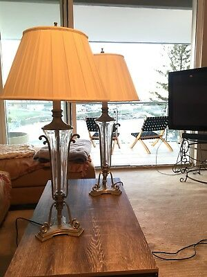 PAIR of Traditional Antique Style Table Bedside Or Livingroom LAMPS