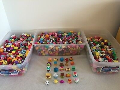 🎄Shopkins Random Lot of 10 Season 1 2 3 4 5 6 7 8 9 No Duplicates, Bag & Gift🎄