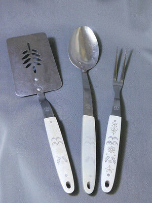 vintage Flint 3 Pc Utensil Set with Wheat Pattern Handle
