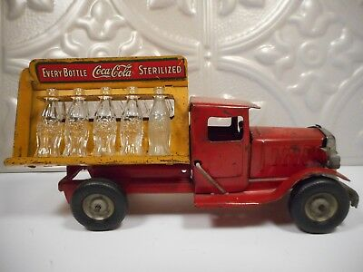 ORIGINAL 1930's METALCRAFT COCA-COLA DELIVERY TRUCK PRESSED STEEL W/ BOTTLES