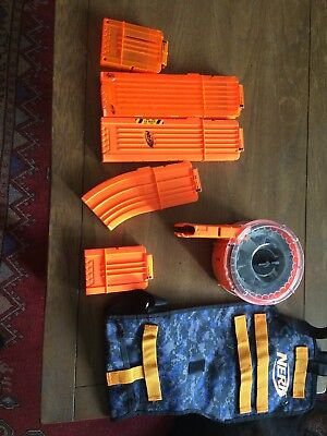 Lot of 6 nerf gun clips and a gun holder/ backpack