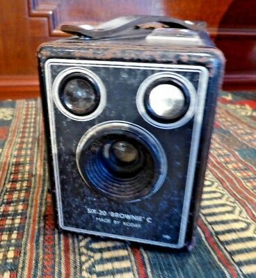 Antique  Vintage Brownie Six-20 Camera Model C Made By Kodak