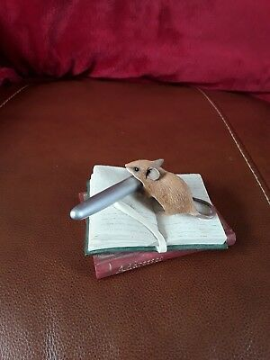 Country Artists mouse with a pen and book IN PERFECT condition