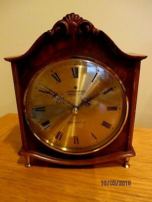 Lovely  Junghans electronic  ATO-MAT S Walnut cased  Desk /  Mantel  Clock.