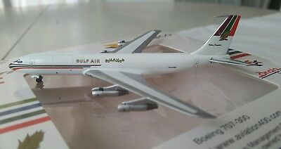 Aviation 400 AV4707018 Boeing 707-321C Gulf Air N448M in 1:400 scale Stand