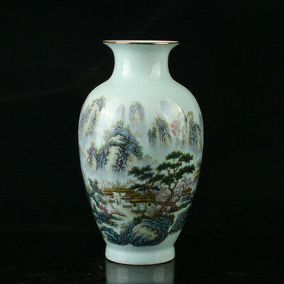Chinese Porcelain Hand-Painted Landscap Vase Mark As The Qianlong Period R1041.a