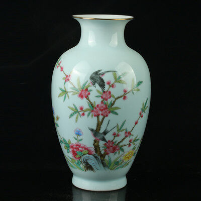 China Pastel Porcelain Hand Painted Flower and Bird Vase Mark As The Qianlong .b