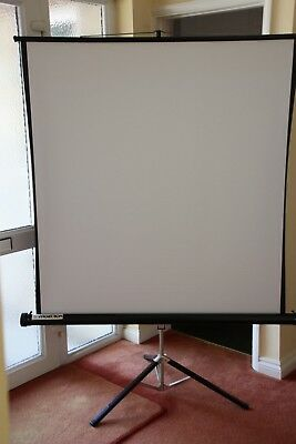 PROJECTION SCREEN ON TRIPOD STAND - 120 x 130 cm