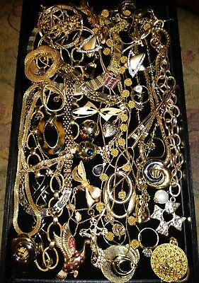 Huge Vintage To Now Jewelry Lot Unsearched Untested Estate Some May Be Signed