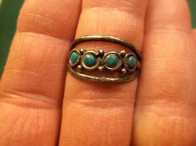Nice Old Vtg Antique Ladies Sterling Silver & 4 Green Turquoise Dot Tapered Ring