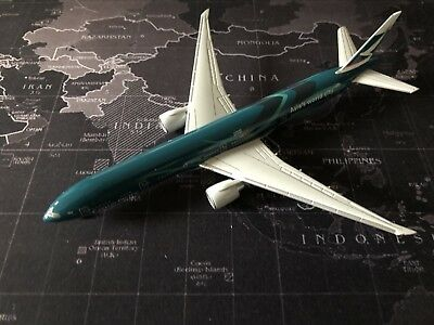 Cathay Pacific 777-300LR Asia's World City