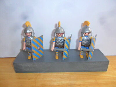 Playmobil - 3 Elite Blue, Yellow And Silver Roman Tribunes With Accessories Rare