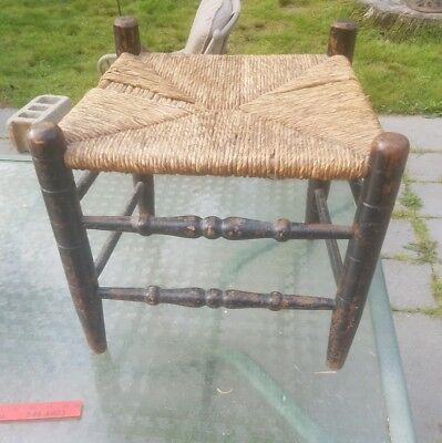 18TH C TURNED MAPLE STOOL RUSH SEAT IN ORIGINAL GRUNGY SURFACE new england