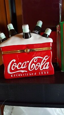 Coke Coca-Cola Ceramic Hinged Box - Ice Chest With 6 Bottles 'On Ice' Decorative