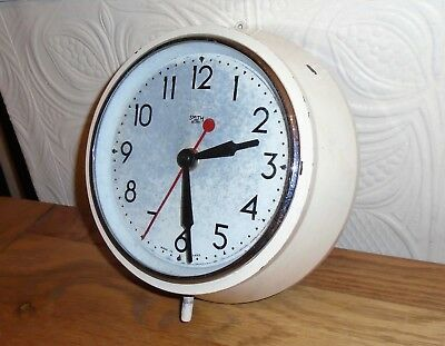Vintage Smiths Sectric Painted Bakelite Electric Wall Clock for Restoration