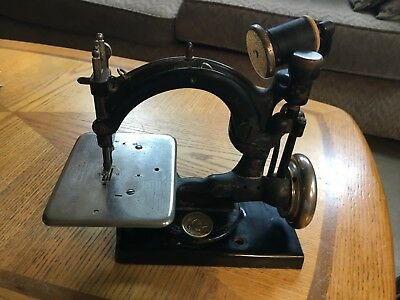 Antique Willcox And Gibbs Sewing Machine With Rare Base!