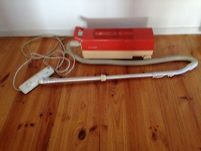 Vintage Retro Hoover vacuum cleaner - Tullamarine Pick Up