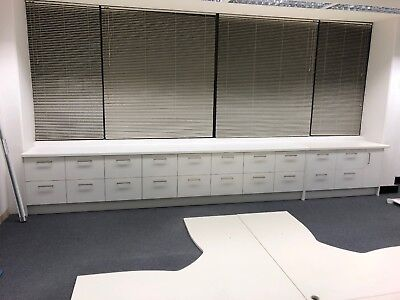 Filing Cabinets / Credenda (28 Drawers / 2 Cupboards)