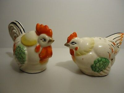 Vintage - Ceramic Chickens Salt And Pepper Shakers Excellent Condition Occupied