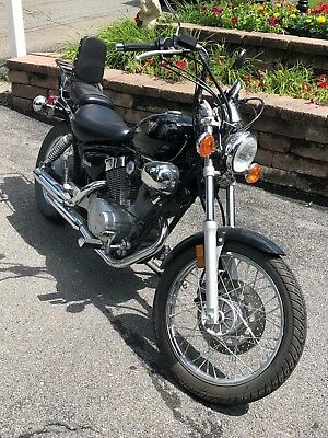 2003 Yamaha Virago  2003 Yamaha Virago 250- EXCELLENT CONDITION- great beginner bike!