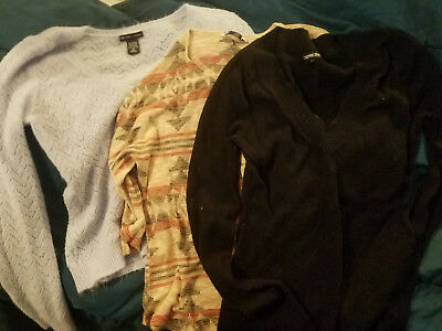 Lot of 3 lightweight Sweaters size M, Express, New York and Company, one other