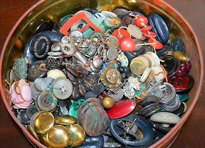 Antique & Vintage Button Lot In Tin Metal, Plastic, Mother Of Pearl, Glass 5 lbs