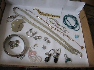 Great Lot of Victorian Vintage ladies jewelry brooches earrings neckaces pins et