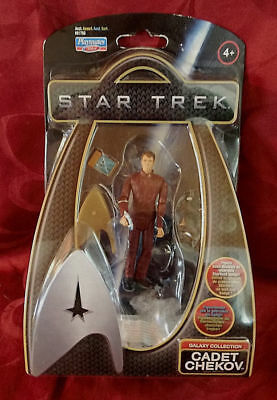 STAR TREK CADET CHEKOV Action Figur Playmates NEU OVP
