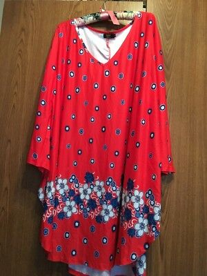 Beautiful R&B Red/Blue Floral Curved Hemline Tunic Top! Size 3X. NWOT