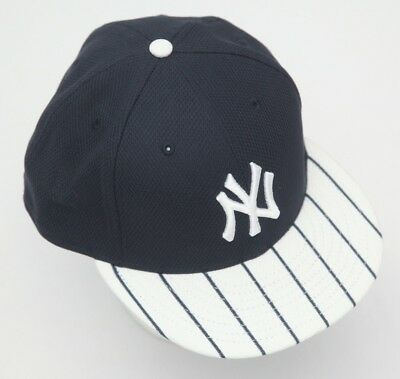 hot sale online f24de 27a2b New Era 59Fifty New York NY Yankees Game Fitted Hat Black white MLB Cap 7 5