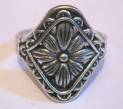 Lovely silver tone metal floral style ring size Q
