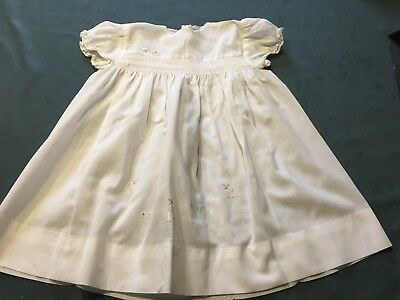 VINTAGE 1950s/60s  HANDMADE WHITE FINE COTTON BABY / DOLL DRESS (Smocking)