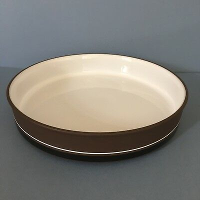 Hornsea Contrast large round oven dish