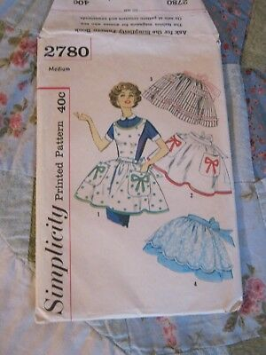 Vintage Simplicity Misses & Womens Aprons, Transfer for Applique Included # 2780