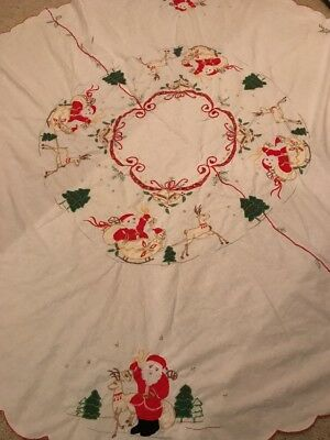 Vtg Mid Century Christmas Cotton Embroidered Round Holiday Tablecloth Santa 🦌