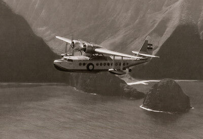 1940's  inner Island Airlines flight off the cost of Molokai