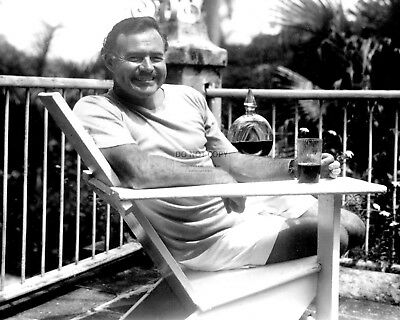 Ernest Hemingway At Home At Finca Vigia In 1946 - 8X10 Photo (Rt110)