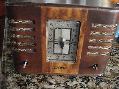 VINTAGE 1938 RCA Victor 95T Tube Radio Small Wood Cabinet Police Broadcast